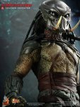 Predators - Tracker Predator Collectible Figure with Hound 05