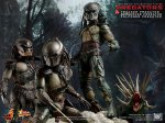 Predators - Tracker Predator Collectible Figure with Hound 11