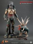 Predators - Tracker Predator Collectible Figure with Hound 15