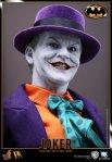 DX08 - Batman - 1-6th scale Joker Collectible Figure 02
