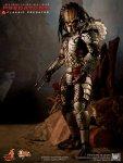 Predators - 1-6th scale Classic Predator Collectible Figure 01
