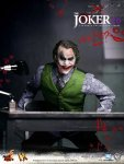 DX Series - The Dark Knight - The Joker 2.0 Collectible Figure - 09