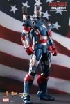 Iron Man 3 - 1-6th scale Iron Patriot Collectible Figurine 02