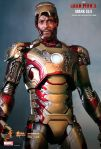 Iron Man 3 -  1-6th scale Mark XLII Collectible Figurine 08