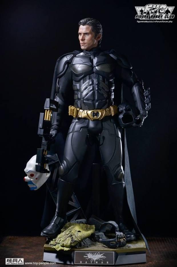 TDKR - 1-4th scale Batman Collectible Figure Teaser