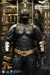 The Dark Knight - Batman Armory (with Batman Collectible Figure) 05