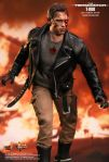 The Terminator - 1-6th scale T-800 (Battle Damaged Version) 01