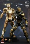 Iron Man 3 - 1-6th scale Python (Mark XX) Collectible Figure 05