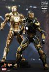 Iron Man 3 - 1-6th scale Python (Mark XX) Collectible Figure 05
